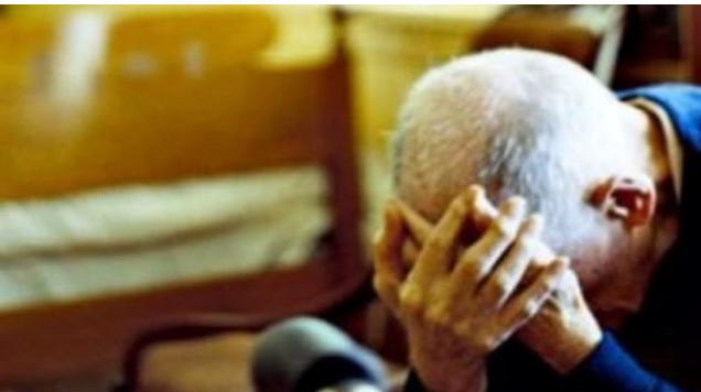 """""""Më rrahu disa herë"""", babai nga Prizreni lajmëron djalin në Polici"""